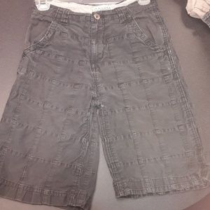 Boys sz 10 The Children's place gray shorts